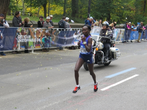 Winner Mary Keitany of Kenya, with about a third of a mile to go